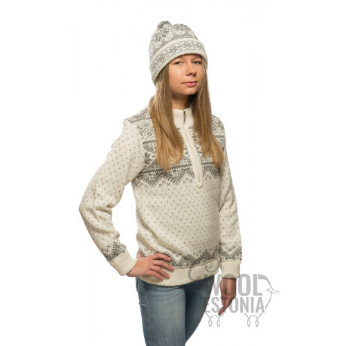 Woman's half-zip sweater with a star