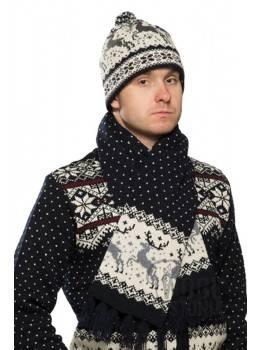 Зимняя шапка с оленем
